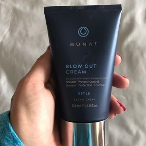 Monat Blow Out Cream New